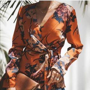 ‼️FINAL OFFER‼️ Vici floral wrap top!